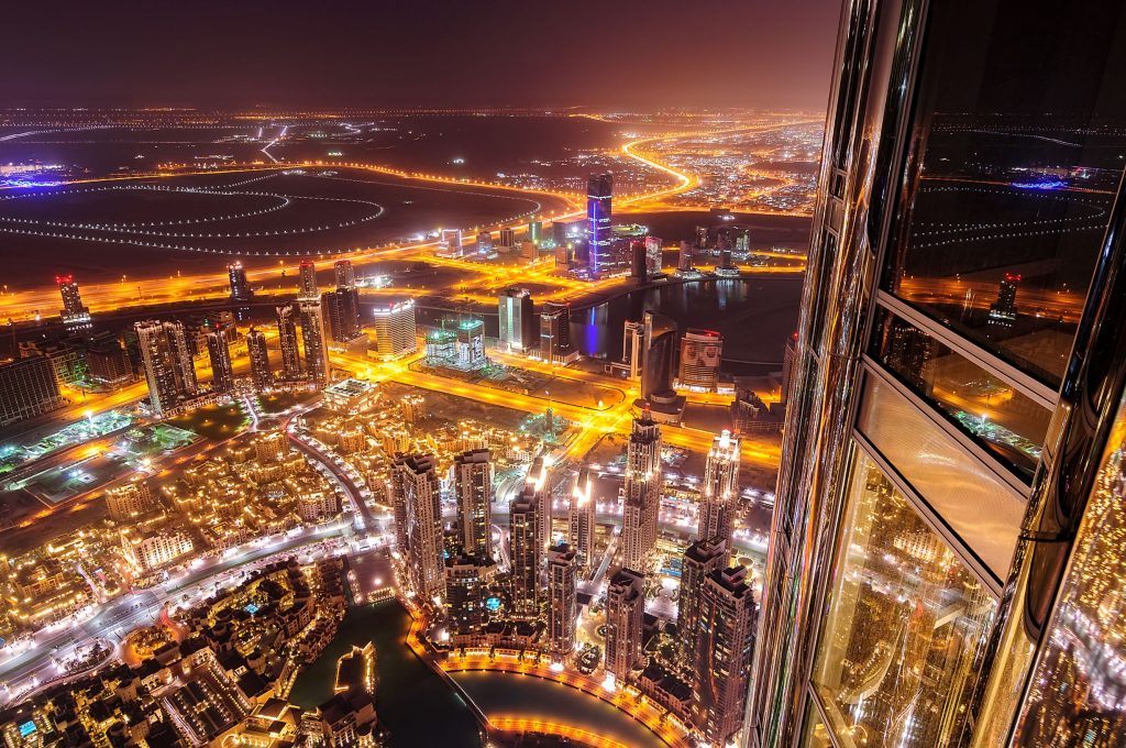 dubai-downtown-view-from-highest-skyscraper-of-the-X3EKZGH_resize