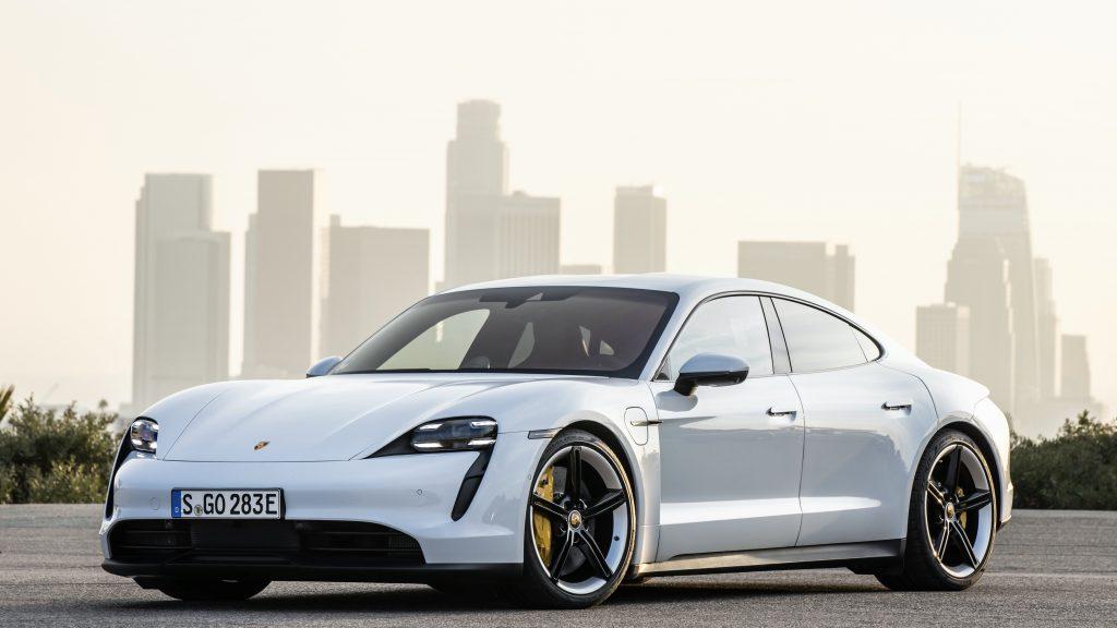 b-Porsche wins AutomotiveINNOVATIONS award 3