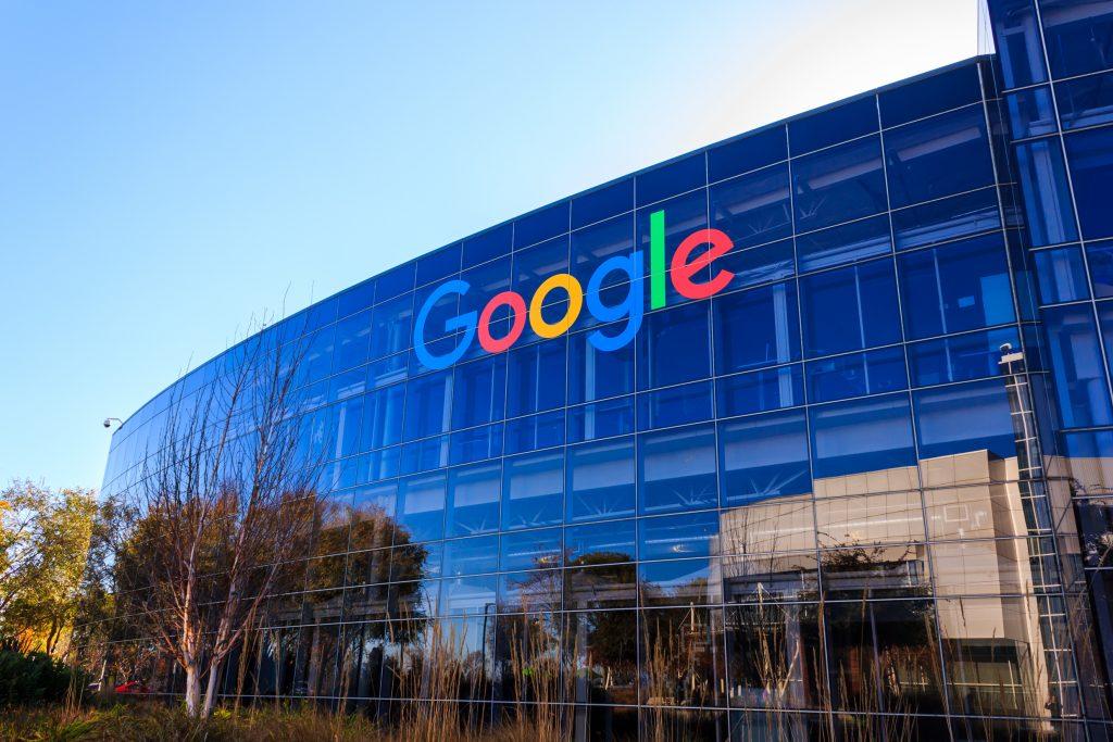 "[2016-12-26],""googleplex"",,Google,Headquarters,,Mountain,View,,California.,Google,Logo,On"