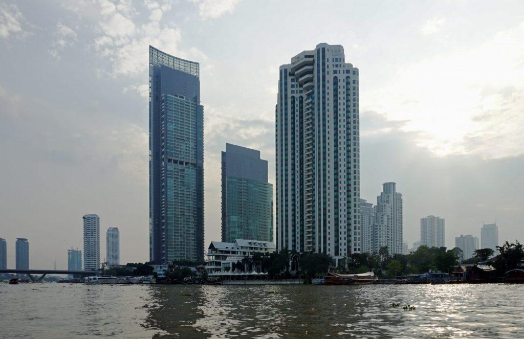TH Bangkok Chao Phraya The River Tower 258m 2015 10 (2)