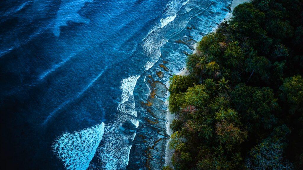 tropical-coastline-of-ocean-bay-shot-from-the-bird-5PUHV2F
