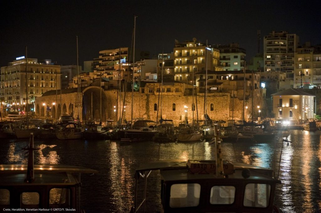 Crete_Heraklion_VenetianHarbour_1230_photo Y Skoulas