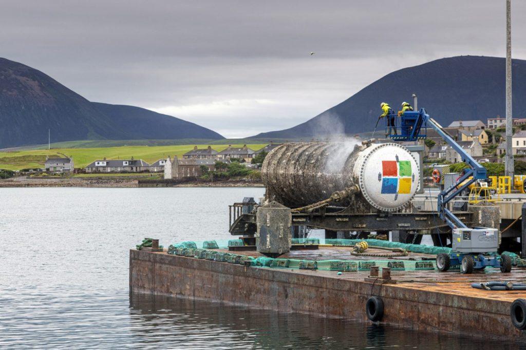 Project Natick, Vessel retrieval Stromness, Orkney. Image: Microsoft