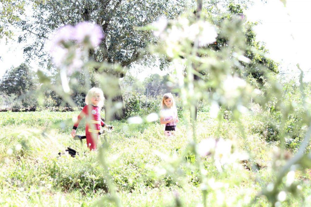 aa kids-in-nature-H6VEZ5C