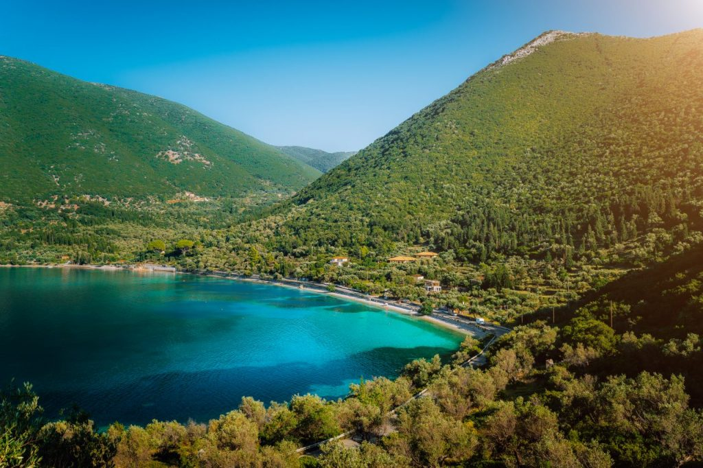 antisamos-beach-on-kefalonia-island-greece-crystal-MTMEL5M (1)