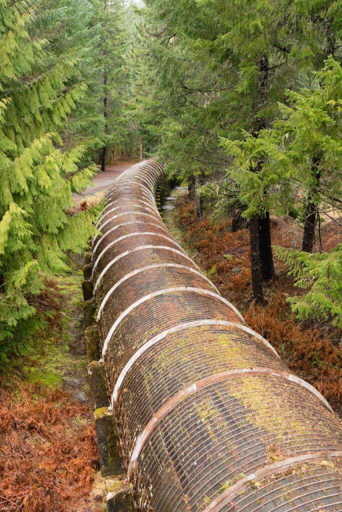 resource-pipeline-cuts-through-national-forest-TQRANKD