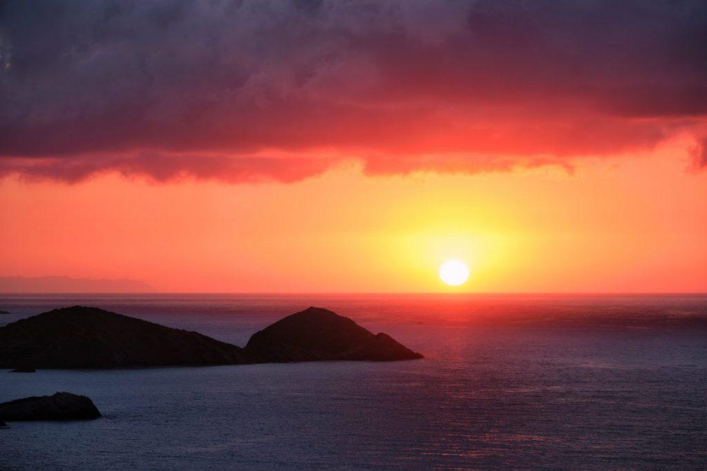 sea-sunset-in-greece-J59JDAH