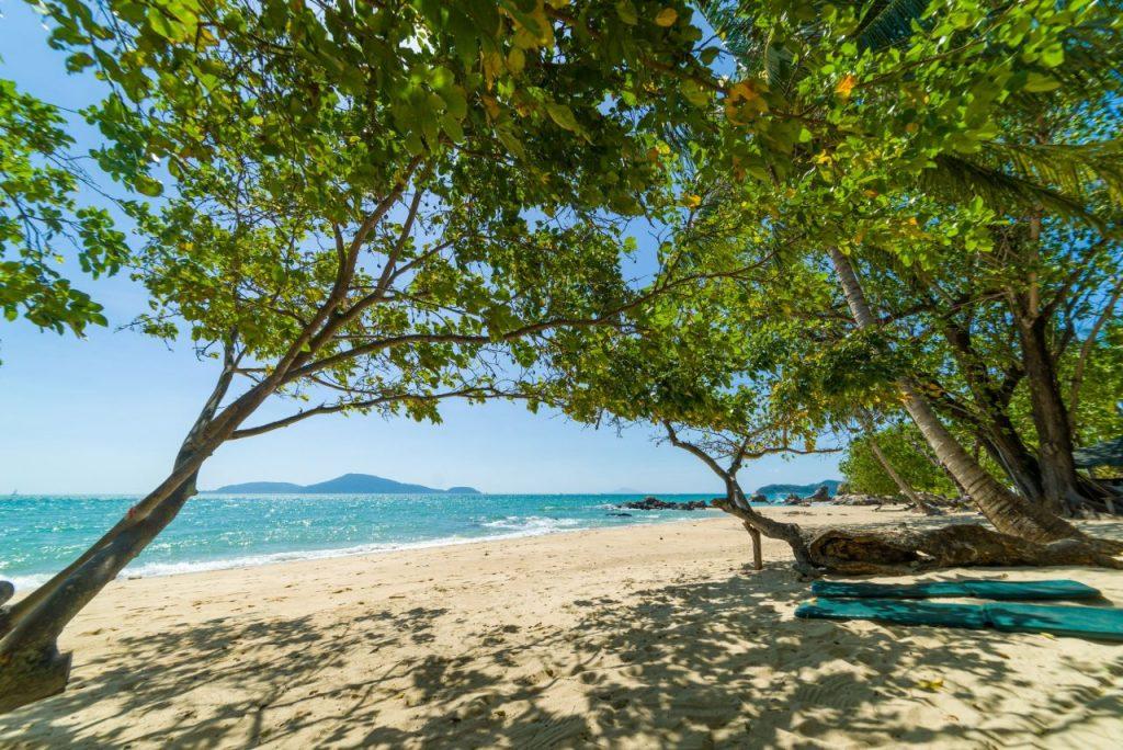 paradise-beach-at-surin-islands-5PBMW75