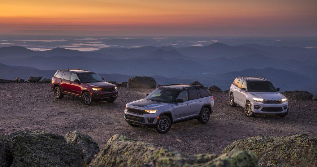 HP 2022 Jeep® Grand Cherokee Trailhawk, Jeep® Grand Cherokee Trailhawk 4xe and Jeep® Grand Cherokee Summit Reserve 4xe
