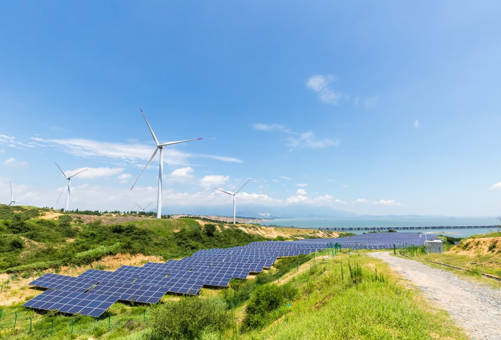 clean-energy-landscape-DZYJ5P2